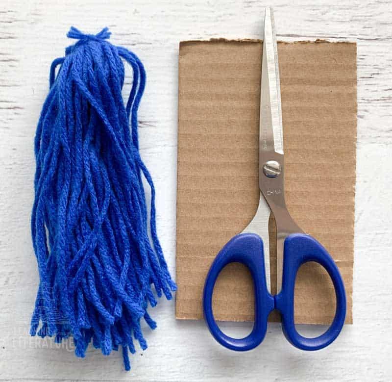 take yarn off cardboard